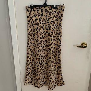 NWOT - FOREVER 21 cheetah midi skirt